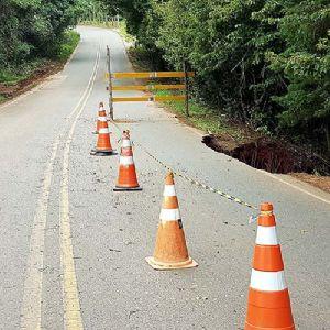 Estrada Pilar à Tapiraí é parcialmente interditada