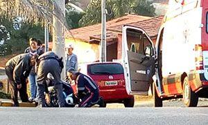 Pedreiro fica ferido em acidente entre carro e motocicleta na Miguel Petrere (Crédito: Sérgio Santos)