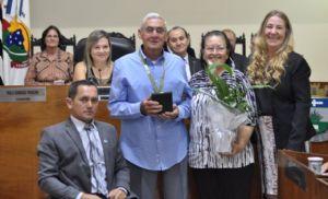 Câmara faz homenagens a personalidades com títulos e medalhas (Crédito: Bruno Sales)