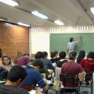 Inscrições abertas para o supletivo na escola Cida Lacerda