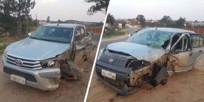 Dois feridos em colisão de camionete e carro de passeio