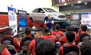 Runa Car promove treinamento com equipe técnica e colaboradores