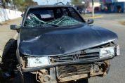 Três feridos em acidente entre carro e motocicleta na Pe. Benedito Mariano