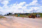 DER realiza obras de melhorias na SP-250 e trânsito fica lento no trevo para Piedade