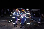 Mulher morre em colisão frontal entre carro e caminhão na SP-264