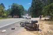 Mulher morre e homem fica ferido em colisão entre carro e moto na Ponte da Usina