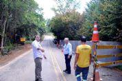 Estrada Pilar à Tapiraí é interditada para reconstrução de tubulação de córrego