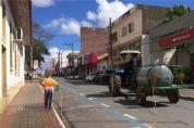 Prefeitura realiza higienização e limpeza das ruas para prevenir o coronavírus