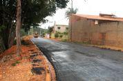 Prefeitura asfalta ruas da Vila São Manoel
