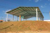 Prefeitura conclui construção de quadra poliesportiva no Campestre II