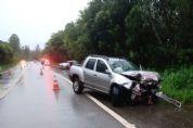 Pai e criança morrem, mãe e outro motorista ficam feridos em acidente na SP-264