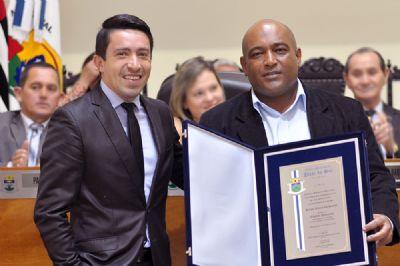 Sérgio Santos é homenageado com o título de Cidadão Pilarense