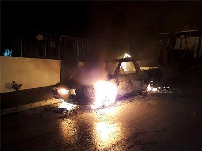 VW Parati é consumido em incêndio na Santa Cecília