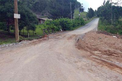 Obra é concluída e tráfego de caminhões é liberado na estrada vicinal para Tapiraí