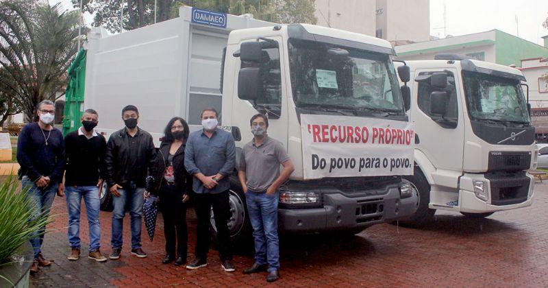 Prefeitura de Pilar do Sul adquire mais dois caminhões 0km