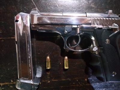 Pilarense é preso em Tapiraí após ameaçar moradores com pistola 380