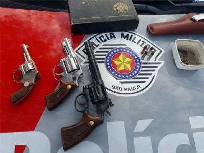 Em operação conjunta, PM e Civil apreendem armas de fogo em residência na Reunidas
