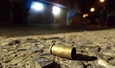 Homem é baleado por motoqueiros nos boxes do Jardim Nova Pilar
