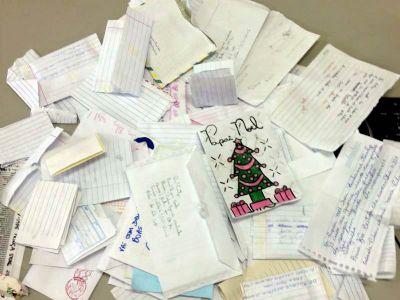 Adote uma cartinha e faça uma criança feliz neste Natal