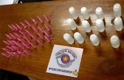 PM apreende cocaína e lança-perfume e detém acusado de tráfico