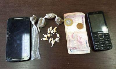 PM de Tapiraí apreende drogas e suspeitos de tráfico no bairro do Turvo