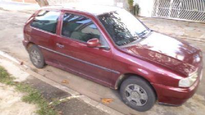 Veículo VW Gol é furtado no centro