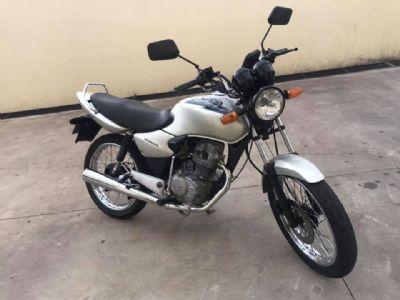 Jovem tem motocicleta furtada, cai em golpe e perde mais R$ 850