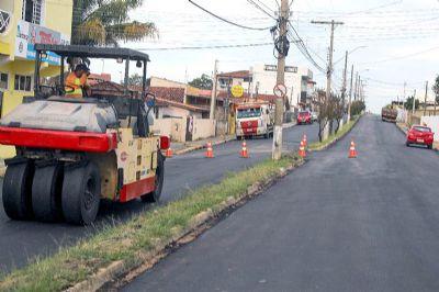 Prefeitura concluí recapeamento na avenida Papa João XXIII