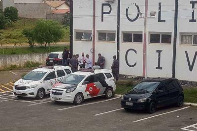 Peruanos são detidos por uso de documento falso e furto a joalheria em Pilar do Sul