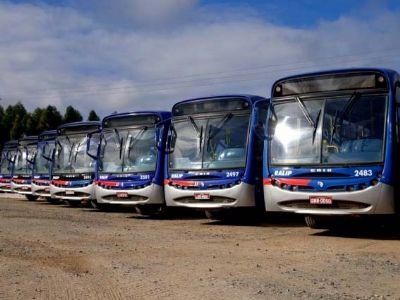 Ônibus de transporte coletivo e de estudantes não circularão na segunda-feira