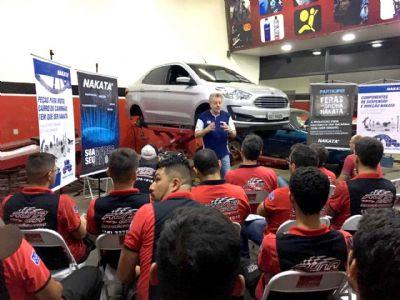 Runa Car promove treinamento Nakata a equipe técnica e colaboradores